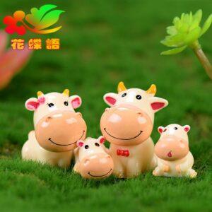 Decor chú bò đáng yêu, decor cây xanh, đồ trang trí cây xanh, đồ trang trí tiểu cảnh, mua đồ trang trí tiểu cảnh, decor tặng tân gia, decor tặng khai trương